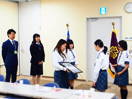 151018 2 福島県連盟に訪問してまちフェスでの支援金を届けました