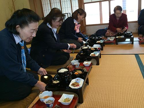 1206 03 初冬の東郷散策と精進料理を楽しむ
